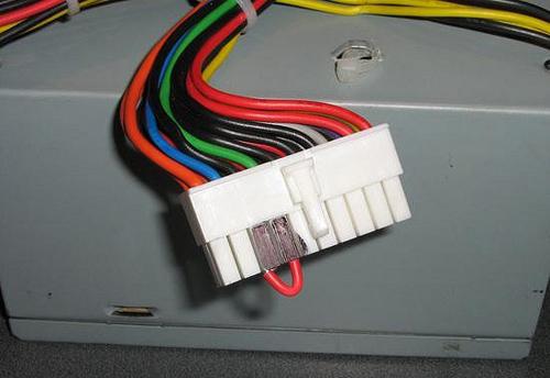 какие провода необходимо перемкнуть в блоке питания чтоб он включился